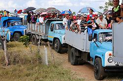 November 30, 2016 - Cuba - Cubans en route to say their final farewell to Fidel Castro during traffic jam in Ciego de Avila  on Thursday, December 1, 2016. (Credit Image: © Al Diaz/TNS via ZUMA Wire)
