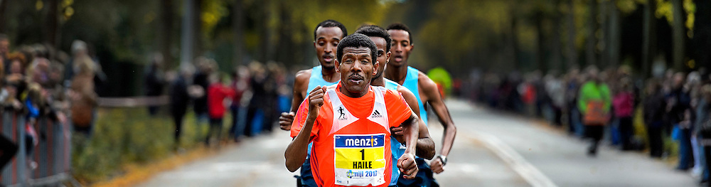 The Netherlands, Groningen, 13-10-2013.<br /> Athletics, International.<br /> 4 Miles of Groningen.<br /> Haile Gebrselassie from Ethiopia in front of the leading group that contain only ethiopian runners.<br /> Photo : Klaas Jan van der Weij