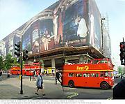 Sam Taylor Wood Wrapped Selfridges. 2000, SamTaylorWood1. Sam Taylor -Wood Wrapped Selfridges. Selfridges, Oxford St. London. 8/5/2000.<br /> © Copyright Photograph by Dafydd Jones 66 Stockwell Park Rd. London SW9 0DA Tel 020 7733 0108 www.dafjones.com