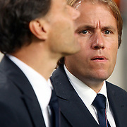 NLD/Amsterdam/20070908 - Kwalificatiewedstrijd EURO 2008, Nederland - Bulgarije, coach Marco van basten en assistent Rob Witschge
