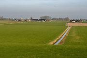 Tull en 't Waal is klein dorp in provincie Utrecht. Het dorp is gelegen aan de rivier de Lek. <br /> <br /> Op de foto:  Heulse waard