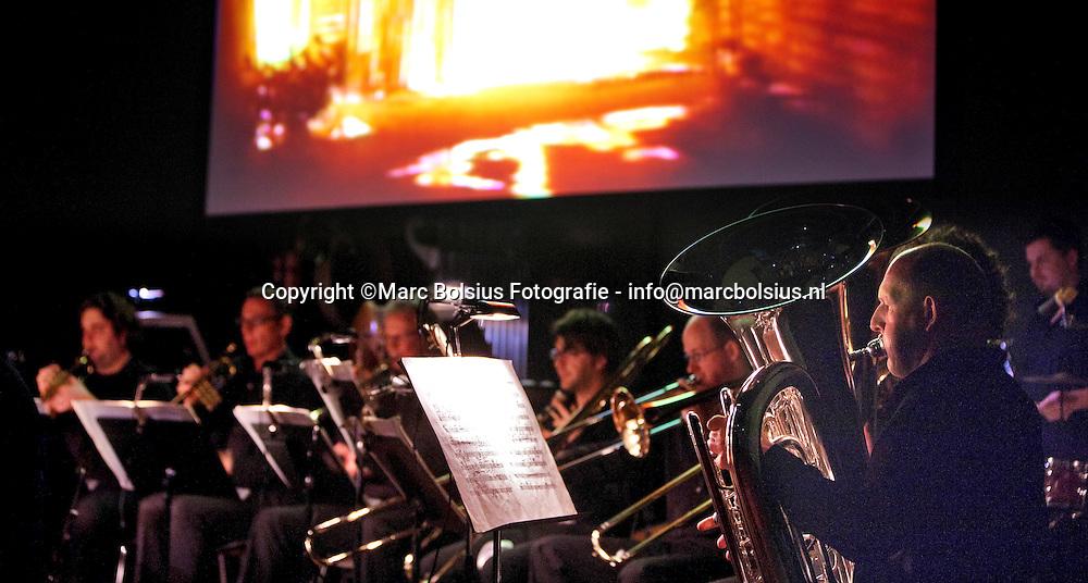 den bosch, concert van edgar varese met video van bill viola in de verkadefabriek