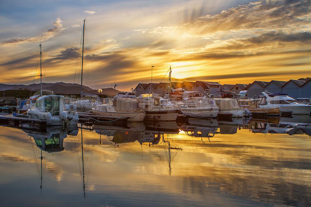 Sunset at the marina, Norway | Solnedgang over båthavnen på Jensholmen, Norge