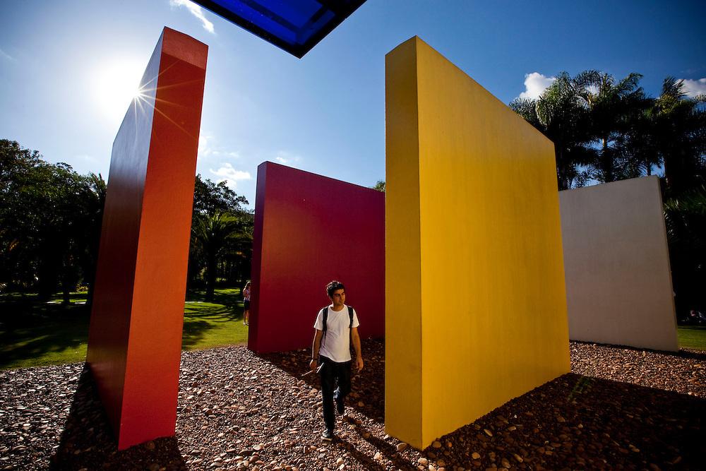 Brumadinho_MG, Brasil...Centro de Arte Contemporanea Inhotim (CACI). O Instituto Inhotim e a sede de um dos mais importantes acervos de arte contemporanea do Brasil e considerado o maior centro de arte ao ar livre da America Latina em Brumadinho, Minas Gerais. Na foto a obra de Helio Oiticica, Invencao da cor, Penetravel Magic Square # 5, De Luxe, 1997...Inhotim Contemporary Art Museum (CACI). The Institute Inhotim is one of the most important collections of contemporary art in Brazil and the largest outdoor center of art in Latin America Its is in Brumadinho, Minas Gerais.  In this photo the art of Helio Oiticica, Invencao da cor, Penetravel Magic Square # 5, De Luxe, 1997.....Foto: NIDIN SANCHES / NITRO