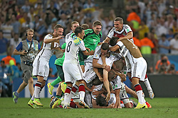 13.07.2014, Maracana, Rio de Janeiro, BRA, FIFA WM, Deutschland vs Argentinien, Finale, im Bild Schlusspfiff beim WM-Finale 2014. Grenzenloser Jubel bei den deutschen Spielern // during Final match between Germany and Argentina of the FIFA Worldcup Brazil 2014 at the Maracana in Rio de Janeiro, Brazil on 2014/07/13. EXPA Pictures © 2014, PhotoCredit: EXPA/ Eibner-Pressefoto/ Cezaro<br /> <br /> *****ATTENTION - OUT of GER*****