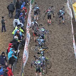 08-12-2019: Wielrennen: Superprestige: Zonhoven: Thibau Nys wint in Zonhoven bij de Juniores voor Lennard Belmans en Ward Huybs