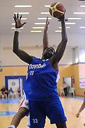 DESCRIZIONE : Varallo Torneo di Varallo Lega A 2011-12 Cimberio Varese Novipiu Casale Monferrato<br /> GIOCATORE : Michael Dunigan<br /> CATEGORIA : Rimbalzo<br /> SQUADRA : Novipiu Casale Monferrato<br /> EVENTO : Campionato Lega A 2011-2012<br /> GARA : Cimberio Varese Novipiu Casale Monferrato<br /> DATA : 11/09/2011<br /> SPORT : Pallacanestro<br /> AUTORE : Agenzia Ciamillo-Castoria/A.Dealberto<br /> Galleria : Lega Basket A 2011-2012<br /> Fotonotizia : Varallo Torneo di Varallo Lega A 2011-12 Cimberio Varese Novipiu Casale Monferrato<br /> Predefinita :