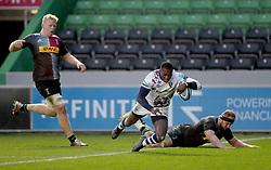 Niyi Adeolokun of Bristol Bears scores his team's 4th Try - Mandatory by-line: Matt Impey/JMP - 26/12/2020 - RUGBY - Twickenham Stoop - London, England - Harlequins v Bristol Bears - Gallagher Premiership Rugby