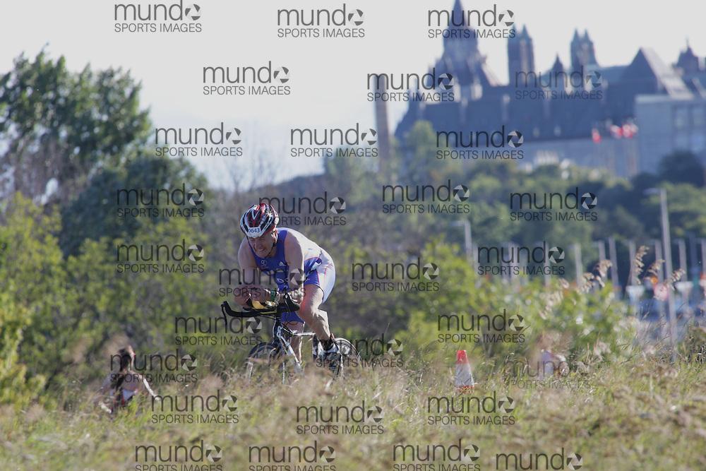(Ottawa, Canada---10 August 2013)  Howard Doe (643)  of Great Britain (GBR) competing in the 60-64 Male AG International Triathlon Union 2013 World Duathlon Championships (10 km run- 40 km bike- 5km run).