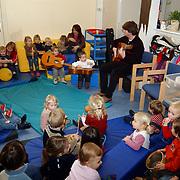 Voorleesdag kinderdagverblijf Kasselemai, flamengo gitarist Eric Farson Morel