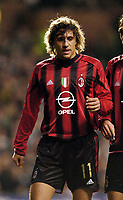 Fotball<br /> Champions League 2004/05<br /> Celtic v  AC Milan<br /> 7. desember 2004<br /> Foto: Digitalsport<br /> NORWAY ONLY<br /> Chelsea's Hernan Crespo returns to Britain in Milan's colours