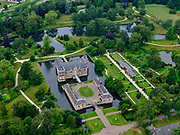 Nederland, Overijssel, Gemeente Hof van Twente; 21–06-2020; Landgoed en Kasteel Twickel, historische buitenplaats, rijksmonument.<br /> Estate and Castle Twickel, historic country estate, national heritage.<br /> luchtfoto (toeslag op standaard tarieven);<br /> aerial photo (additional fee required)<br /> copyright © 2020 foto/photo Siebe Swart