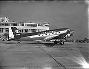 0  28/03/1956.03/28/1956.28 March 1956.Aircraft landing and on tarmac at Dublin Airport.