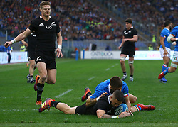 November 24, 2018 - Rome, Italy - Italy v New Zealand All Blacks - Rugby Cattolica Test Match.New Zealands TJ Perenara scores a try at Olimpico Stadium in Rome, Italy on November 24, 2018. (Credit Image: © Matteo Ciambelli/NurPhoto via ZUMA Press)