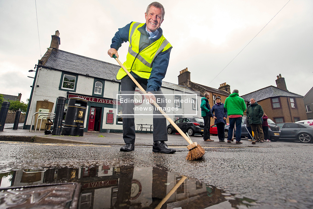Pictured: Scottish Liberal Democrat leader Willie Rennie MSP in Auchtermuchty to illustrate that it is the Liberal Democrats that are set to sweep the SNP out of seats across Scotland.<br /> <br /> <br /> <br /> Michael Schofield | EEm 5/6/2017