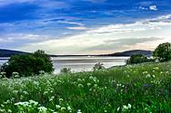 Jämtland, SVERIGE - 14 JUNI 2016: Sommarkväll i Odensala i Jämtlandsfärger (Foto: Per Danielsson/ Frilansfotograferna ) <br /> <br /> Nyckelord Keywords: Jämtland, landskap, utsikt, storsjön, sjö, äng, ***BETALBILD***