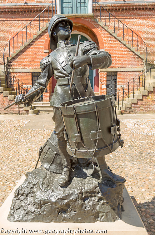 'The Drums of Fore and Aft' drummer boy sculpture by Arnold, Earl of Albemarle, Shire Hall, Market Hill, Woodbridge, Suffolk, England, UK