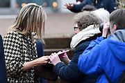 Koningin Maxima is aanwezig bij een paneldiscussie tijdens de 8e jaarvergadering van de Global Alliance for Banking Values bij de Triodos Bank.<br /> <br /> Queen Maxima attends a panel discussion at the 8th Annual Meeting of the Global Alliance for Banking on Values Triodos Bank.<br /> <br /> Op de foto:  Koningin Maxima vertrekt / Queen Maxima leaves