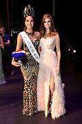 Bekendmaking Miss Nederland 2018 in het Circustheater, Scheveningen .<br /> <br /> Op de foto:  Miss Nederland 2018 Rahima Dirkse en Miss Nederland 2017 Nicky Opheij