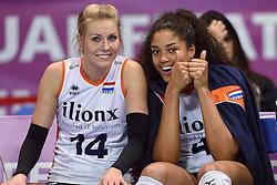04-01-2016 TUR: European Olympic Qualification Tournament Nederland - Duitsland, Ankara <br /> De Nederlandse volleybalvrouwen hebben de eerste wedstrijd van het olympisch kwalificatietoernooi in Ankara niet kunnen winnen. Duitsland was met 3-2 te sterk (28-26, 22-25, 22-25, 25-20, 11-15) / Laura Dijkema #14, Celeste Plak #4