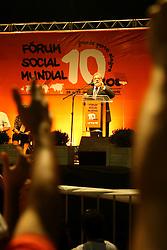 O presidente brasileiro Luiz Inácio Lula da Silva discursa durante o Fórum Social Mundial 2010, em 26 de janeiro de 2010, em Porto Alegre, sul do Brasil. Lula da Silva se afasta de amanhã para participar do Fórum Econômico Mundial em Davos, na Suíça. FOTO: Jefferson Bernardes/Preview.com