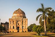 Bara Gumbad and Mosque, Lodhi Gardens (Lodi Gardens), New Delhi, India