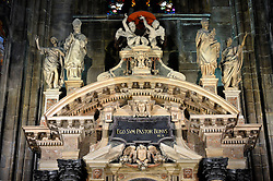 29.11.2013, Mailand, ITA, Architektur in Mailand, Mailand ist bekannt für historisch bedeutsame Bauwerke, im Bild Innenaufnahme Detail Altar MailaeŠnder Dom aufgenommen am 15 11 2013 // Indoors detail altar of Mailaender Dom, Mailand, Italy pictured on 2013/11/15. EXPA Pictures © 2013, PhotoCredit: EXPA/ Eibner/ Eckhard Eibner<br /> <br /> *****ATTENTION - OUT of GER*****