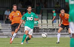 Emil Sørensen (FC Helsingør) og Mohammad Ali (Avarta) under kampen i 2. Division Øst mellem Boldklubben Avarta og FC Helsingør den 19. august 2012 i Espelunden. (Foto: Claus Birch).