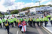 Dover anti-migrant Protestors Clash with Police