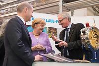 """19 SEP 2012, HAMBURG/GERMANY:<br /> Olaf Scholz, Erster Bürgermeister Hamburg, Angela Merkel, Bundeskanzlerin, und Helmut Dosch, Vorsitzender DESY-Direktorium, (v.L.n.R.), besichtigen die PETRA III Experimentierhalle, Max von Laue-Fest """"Vorstoß in den Nanokosmos - Von Max Laue zu PETRA III"""" mit Taufakt der PETRA III-Experimentierhalle """"Max von Laue"""", mit Deutsches-Elektronen-Synchrotron, DESY<br /> IMAGE: 20120919-01-063"""