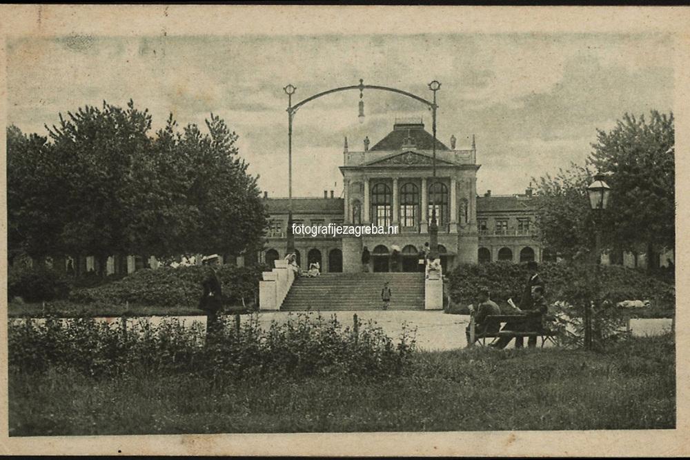 Zagreb : Glavni kolodvor. <br /> <br /> ImpresumS. l. : S. n., [1918].<br /> Materijalni opis1 razglednica : tisak ; 8,7 x 14 cm.<br /> Vrstavizualna građa • razglednice<br /> ZbirkaZbirka razglednica • Grafička zbirka NSK<br /> Formatimage/jpeg<br /> PredmetZagreb –– Trg kralja Tomislava<br /> SignaturaRZG-TOM-48<br /> Obuhvat(vremenski)20. stoljeće<br /> NapomenaRazglednica je putovala.<br /> PravaJavno dobro<br /> Identifikatori000953704<br /> NBN.HRNBN: urn:nbn:hr:238:919394 <br /> <br /> Izvor: Digitalne zbirke Nacionalne i sveučilišne knjižnice u Zagrebu