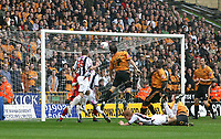 Photo: Mark Stephenson.<br /> Wolverhampton Wanderers v West Bromwich Albion. Coca Cola Championship. Play off Semi Final, 1st Leg. 13/05/2007.West vBrom;'s Kevin Phillips heads the ball into the back of the net