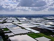 Nederland,Zuid-Holland, Lansingerland; 14–05-2020; buurtschap Noordeinde, kassengebied tussen Berkel en Rodenrijs en Zoetermeer. De  tuinbouwkassen strekken zich uit tot in Bleiswijk. <br /> Hamlet Noordeinde, greenhouse area between Berkel and Rodenrijs and Zoetermeer. The horticultural greenhouses extend to Bleiswijk.<br /> <br /> luchtfoto (toeslag op standaard tarieven);<br /> aerial photo (additional fee required)<br /> copyright © 2020 foto/photo Siebe Swart