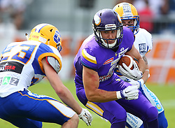 19.06.2016, FAC Stadion, Wien, AUT, AFL, AFC Vienna Vikings vs Projekt Spielberg Graz Giants, im Bild Thomas Winter (Projekt Spielberg Graz Giants, DB, #23), Stefan Postel (Vienna Vikings) und ONeil Blake (Projekt Spielberg Graz Giants, DB, #26) // during the AFL game between AFC Vienna Vikings vs Projekt Spielberg Graz Giants at the FAC Stadion, Vienna, Austria on 2016/06/19. EXPA Pictures © 2016, PhotoCredit: EXPA/ Thomas Haumer