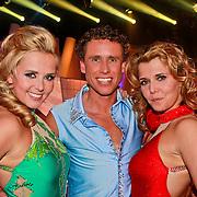 NLD/Hilversum/20110326 - 9de Liveshow Sterren Dansen op het IJs, de drie overgebleven kandidaten Monique Smit, Michael Boogerd en Jenny Smit