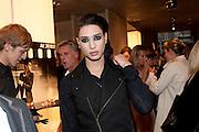 NAT WELLER, Vogue: Fashion's Night Out: Armani. Bond st.  London. 8 September 2010.  -DO NOT ARCHIVE-© Copyright Photograph by Dafydd Jones. 248 Clapham Rd. London SW9 0PZ. Tel 0207 820 0771. www.dafjones.com.