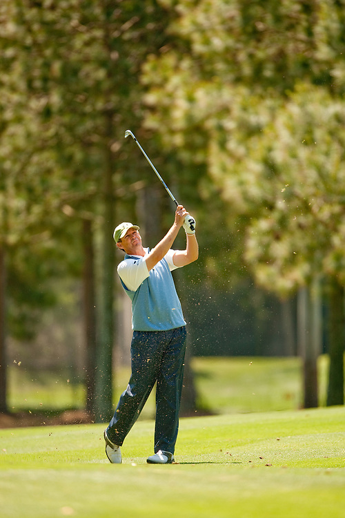 HILTON HEAD, SC - APRIL 16:  Lee Janzen hits his shot during the first round of the 2009 Verizon Heritage in Hilton Head, South Carolina at Harbour Town Golf Links on Thursday, April 16, 2009. (Photograph by Darren Carroll) *** Local Caption *** Lee Janzen