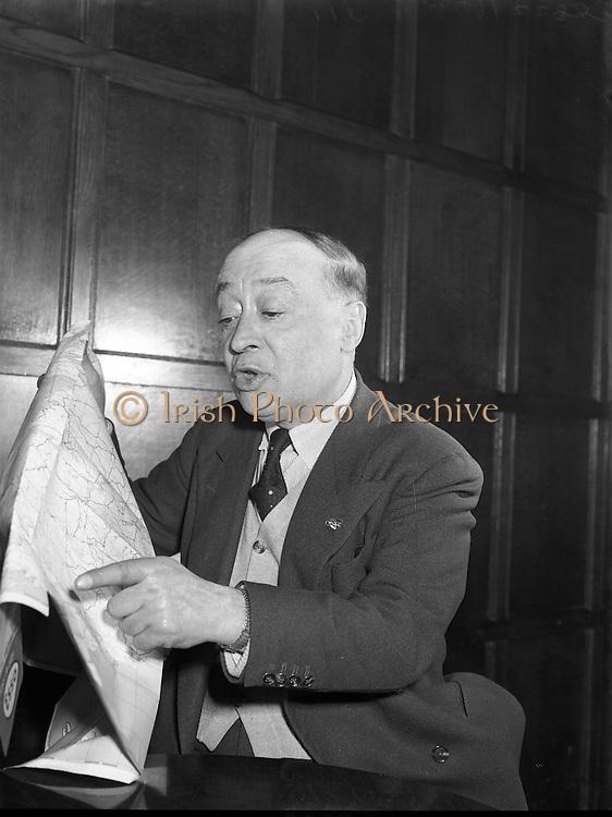 Jimmy O'Dea and Josef Locke in Neary's Bar 11/04/1958