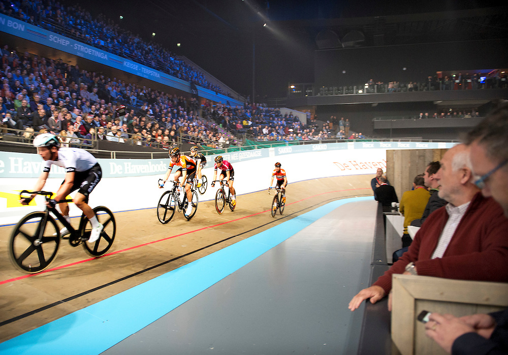 The Netherlands, Rotterdam, 02-01-2015.<br /> Cycling, Six-Days.<br /> Atmosphere of the first night of the six-days in Rotterdam Ahoy.<br /> Photo: Klaas Jan van der Weij