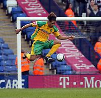 Photo: Mark Stephenson.<br /> West Bromwich Albion v Norwich City. Coca Cola Championship. 27/10/2007.Norwich's Darel Russell on the ball