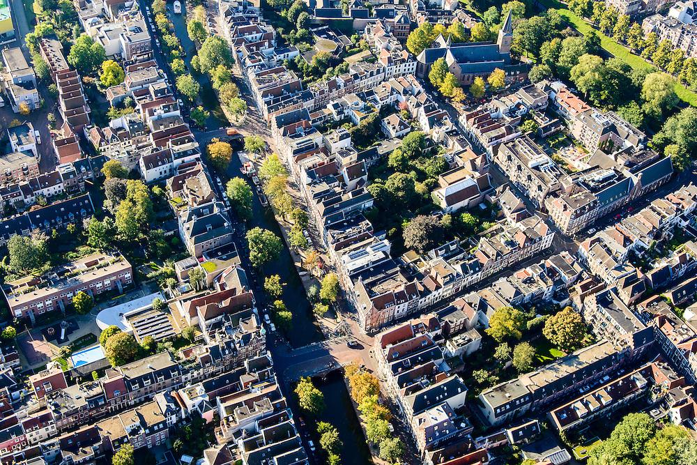 Nederland, Utrecht, Gemeente Utrecht, 30-09-2015; Oudegracht en Springweg, Geertekerk.<br /> Downtown Utrecht, city centre with canals.<br /> luchtfoto (toeslag op standard tarieven);<br /> aerial photo (additional fee required);<br /> copyright foto/photo Siebe Swart