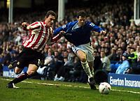 Fotball<br /> 4. runde FA-cup<br /> Everton v Sunderland<br /> 29. januar 2005<br /> Foto: Digitalsport<br /> NORWAY ONLY<br /> Kevin Kilbane Everton/Dean Whitehead Sunderland
