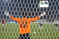 Roma 8/2/2004 Roma Juventus 4-0<br />Ivan Pelizzoli (Roma) takes penalty of David Trezeguet (juventus)<br />Ivan Pelizzoli para il rigore di David Trezeguet<br />Photo Andrea Staccioli Graffiti