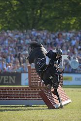Tillmann Gilbert, (GER), Hadjib<br /> German Jumping Derby<br /> Hamburg - Hamburger Derby 2016<br /> © Hippo Foto - Stefan Lafrentz