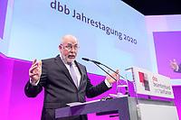 06 JAN 2020, KOELN/GERMANY:<br /> Ulrich Silberbach, Bundesvorsitzender Deutscher Beamtenbund, haelt eine Rede, dbb Jahrestagung, Koeln Messe<br /> IMAGE: 20200106-01-091