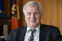 20 JUN 2018, BERLIN/GERMANY:<br /> Horst Seehofer, CSU, Bundesinnenminister, waehrend einem Interview, in seinem Buero, Bundesministerium des Inneren<br /> IMAGE: 20180620-02-033<br /> KEYWORDS: Büro