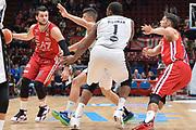 DESCRIZIONE : Milano Lega A 2015-16 Olimpia EA7 Emporio Armani Milano vs Obiettivo Lavoro Virtus Bologna<br /> GIOCATORE : Alessandro Gentile<br /> CATEGORIA : Palleggio Difesa<br /> SQUADRA : Olimpia EA7 Emporio Armani Milano<br /> EVENTO : Campionato Lega A 2015-2016<br /> GARA : Olimpia EA7 Emporio Armani Milano Obiettivo Lavoro Virtus Bologna<br /> DATA : 08/11/2015<br /> SPORT : Pallacanestro <br /> AUTORE : Agenzia Ciamillo-Castoria/I.Mancini<br /> Galleria : Lega Basket A 2015-2016  <br /> Fotonotizia : Milano  Lega A 2015-16 Olimpia EA7 Emporio Armani Milano Obiettivo Lavoro Virtus Bologna<br /> Predefinita :