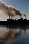 Pirapora_MG, Brasil...Industria metalurgica proxima ao Rio Sao Francisco...The steel industry next to the Sao Francisco river...Foto: LEO DRUMOND / NITRO