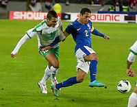 Malmö  2012-10-11  Fotboll  Landskamp  Brazil    - Iraq   :  Iraq13 Ahmed Yasin Brazil 2 Adriano.(Foto: Christer Thorell, Pic-Agency.com) Nyckelord : .