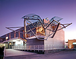 The Umbrella by Eric Owen Moss Architect.  Photograhed by Tom Bonner job
